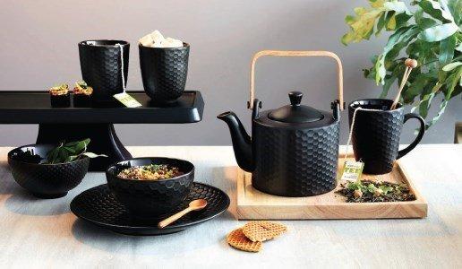 bule black tea